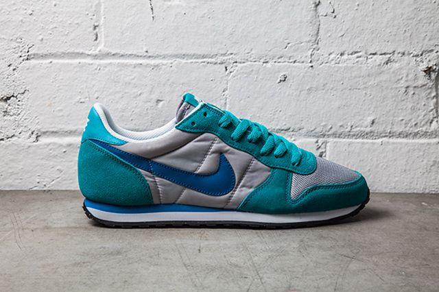 Nike Sierra Sunset Turbo Green Military Blue
