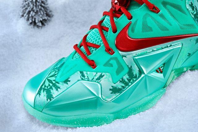 Nike Le Bron 11 Christmas 1