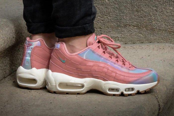 Nike Air Max 95 Womens Red Stardust3