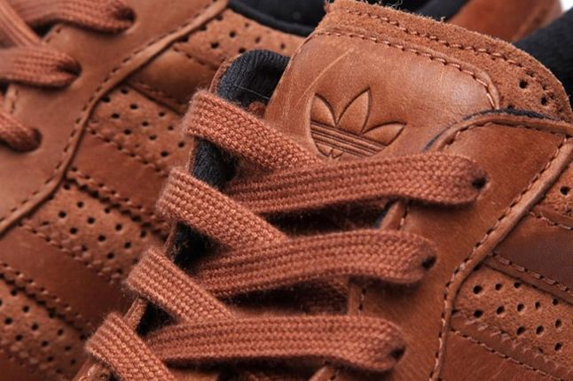 Adidas Originals Zx 700 Gum And Perf Pack Brown Tongue Detail 1