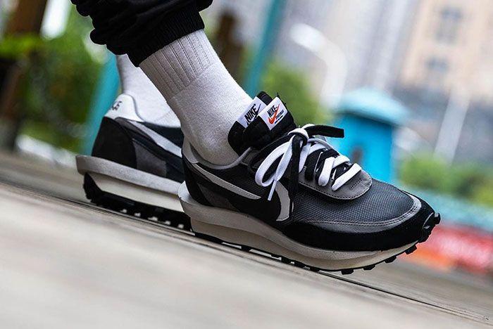 Sacai Nike Ldwaffle Black White Grey On Foot2
