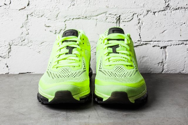 Nike Air Max 2014 Black Barely Volt 1