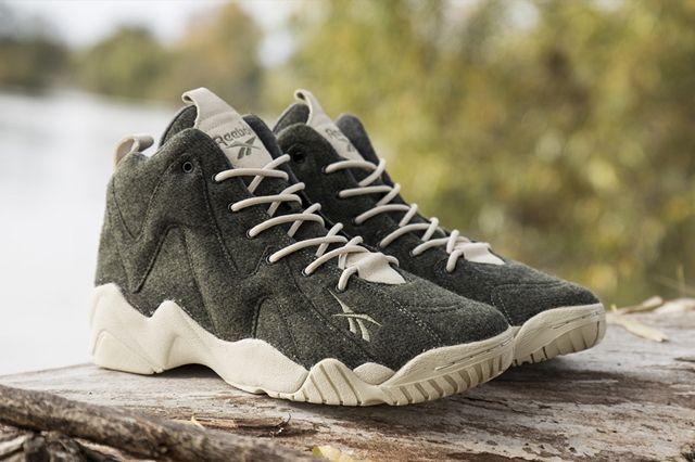 Sneakersnstuff Reebok Kamikaze Herringbone Angle