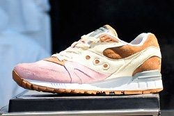 Eb X Saucony Shadow Master Space Snack Thumb