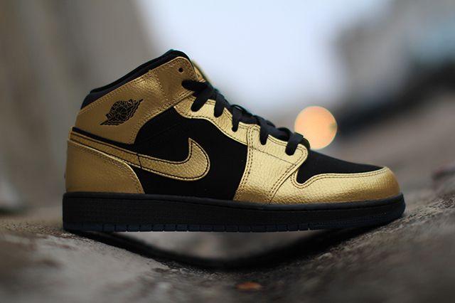 Air Jordan 1 Gs Gold Coin