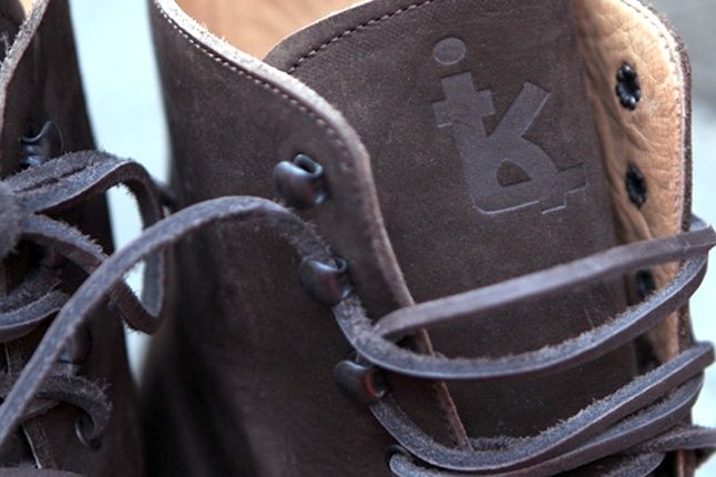 Fieg Caminando Office Boots Brown Tongue Detail 1