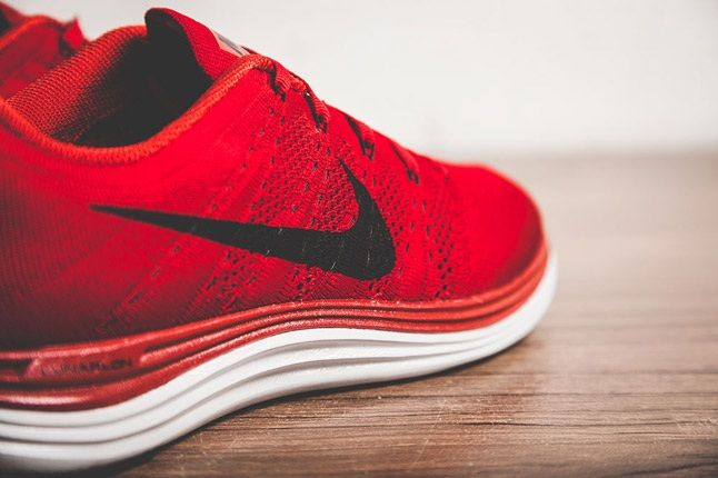 Nike Flyknit Lunar 1 Gym Red Midfoot Detail