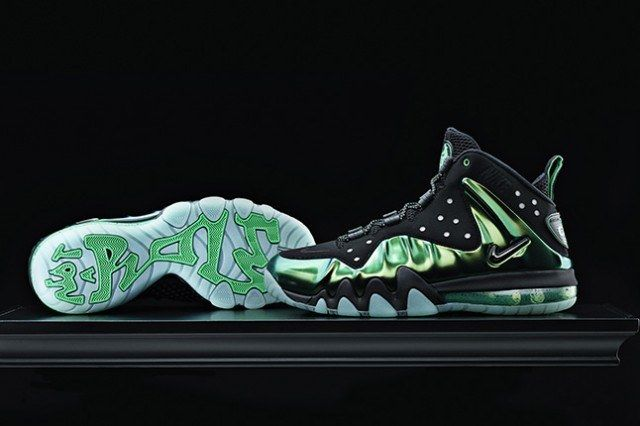 Nike Barkley Posite Max Metallic Green 2013 1 640X426