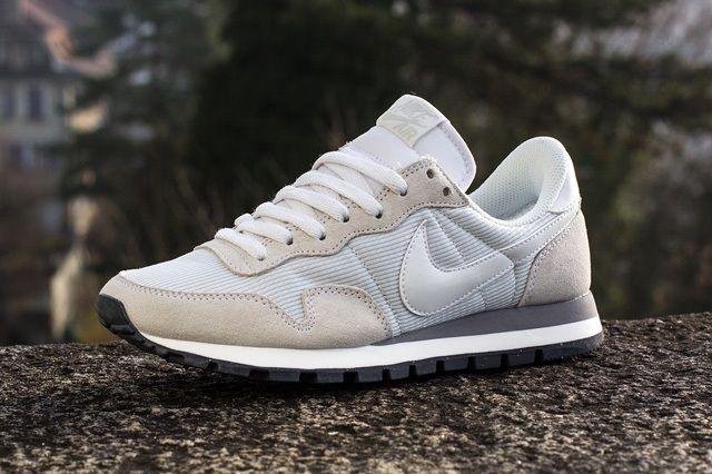Nike Wmns Air Pegasus 83 Summit White 2