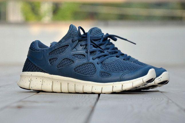 Nike Free Run 2 Woven Leather Tz Profile Side Blue 1