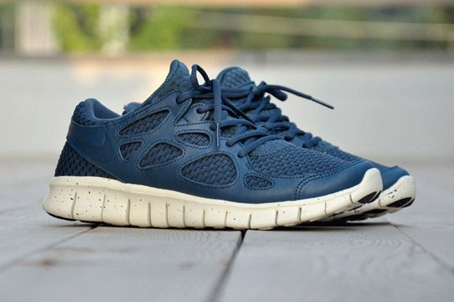 Nike Free Run 2 Woven Leather Tz Profile Side Blue 1