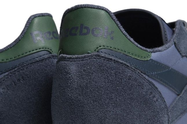 Rbk Classicltr Suede Heel Detail 1