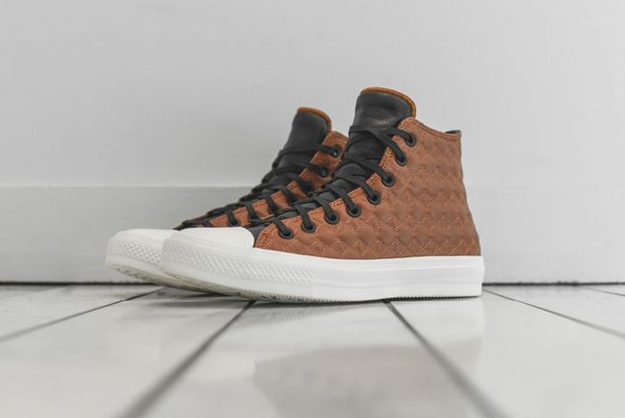 Converse Chuck Taylor 2 Car Leather 02 1