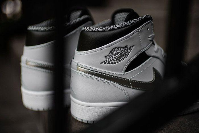 Air Jordan 1 Pure Platinum 3