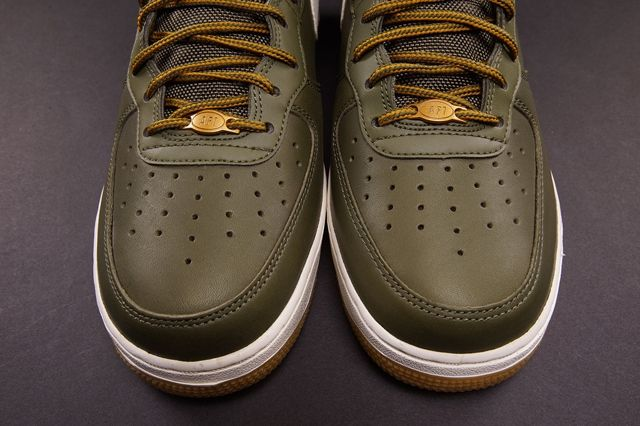 Nike Air Force 1 Mid Medium Olive Bump 1