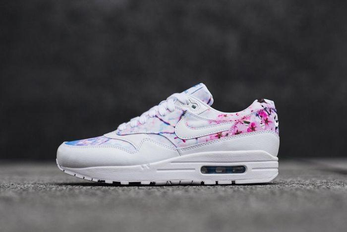 Nike 2016 Blossom Pack 20