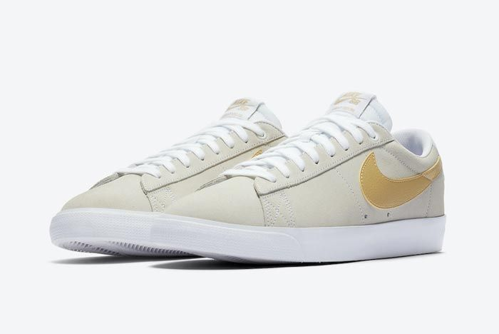 Nike Sb Blazer Low Gold Pair