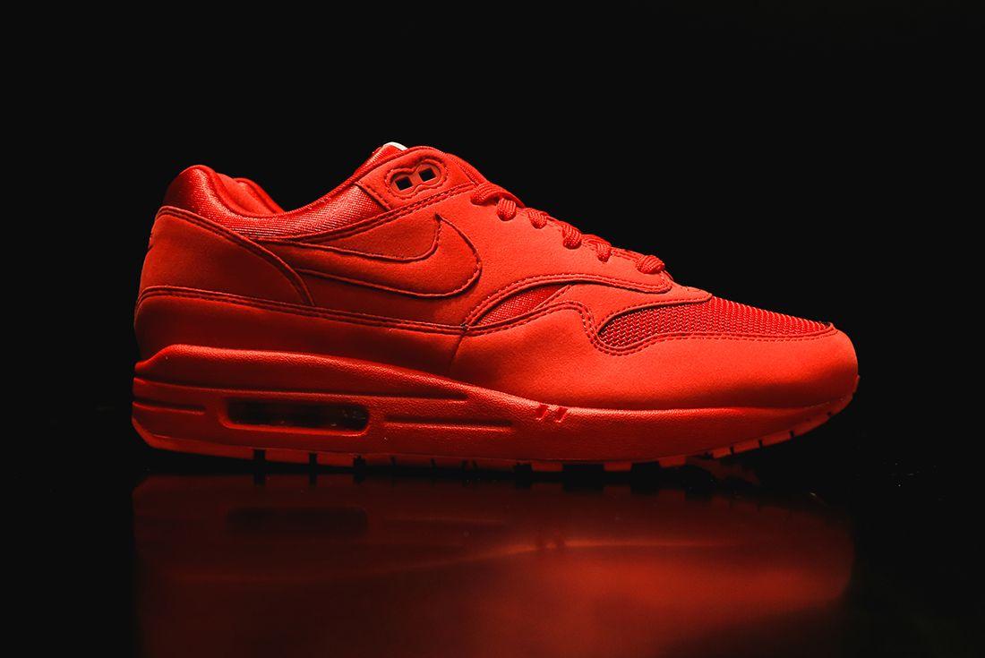 Nike Air Max 1 Premium Triple Ogred