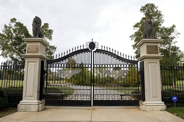 Rick Ross Buys Georgia Mansion 1
