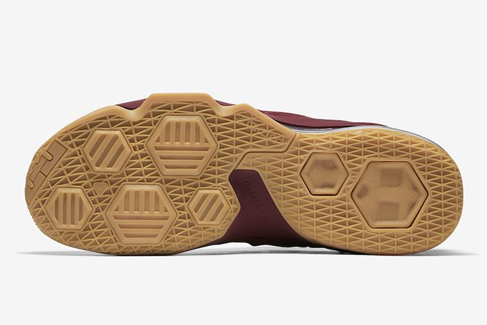 Nike Le Bron 13 Low Team Red