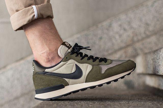 Nike Internationalist Dark Loden 1