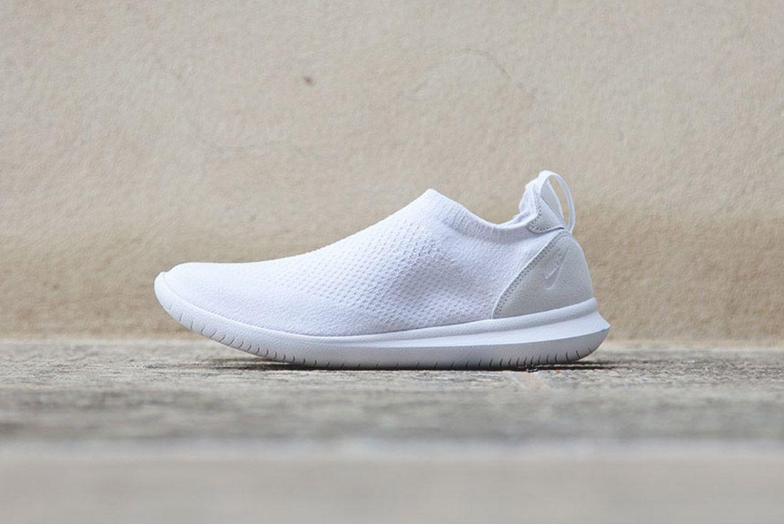 Nike Gakou Flyknit Triple Black White 8