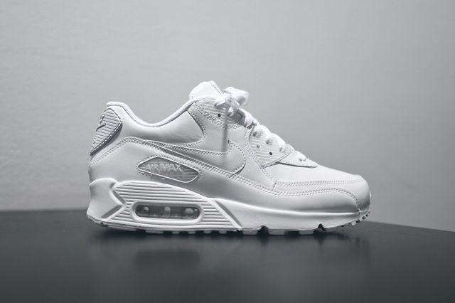 Nike Am90 Leather Triple White Bump 4