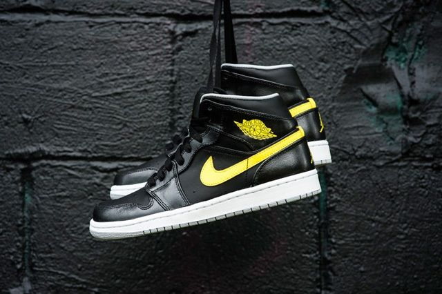 Air Jordan 1 Mid Vibrant Yellow 2