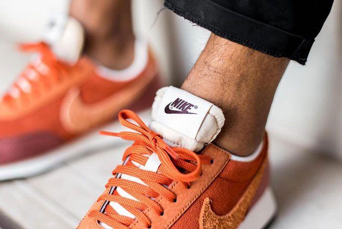 Nike Daybreak Rugged Orange Cu3016 800 On Foot Tongue Detail