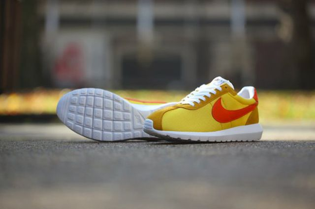 Nike Roshe Ld1000 Sp Varsity Maize Varsity Royal 4