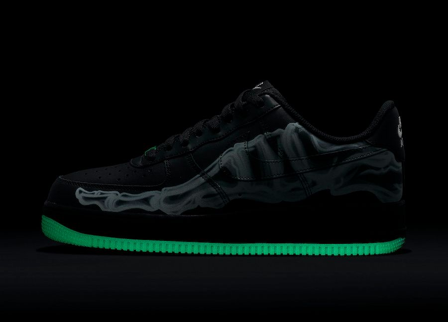 No complicado guisante Margarita  Nike Prepare for Halloween with Another Skeleton Air Force 1 - Sneaker  Freaker