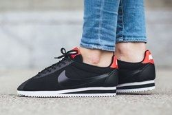 Nike Cortez Tech Fleece Black Black Red Thumb