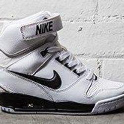 dinámica Juguetón Obediente  Nike Air Revolution Sky Hi (Black/White) - Sneaker Freaker