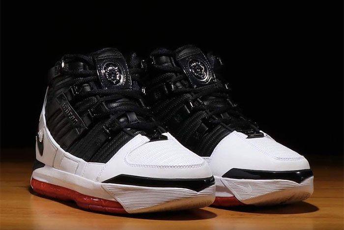 Nike Zoom Le Bron Iii Home Pair Side Shots1