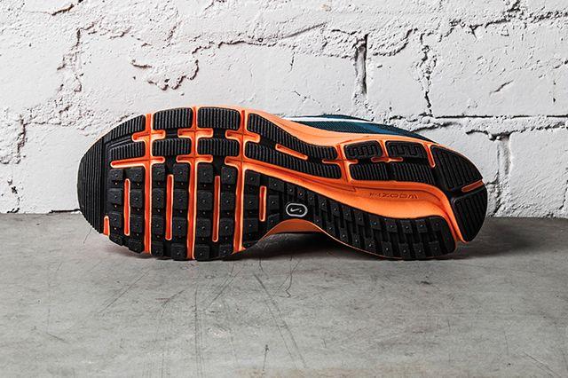 Nike Air Pegasus 30 Night Factor Atomic Orange 4