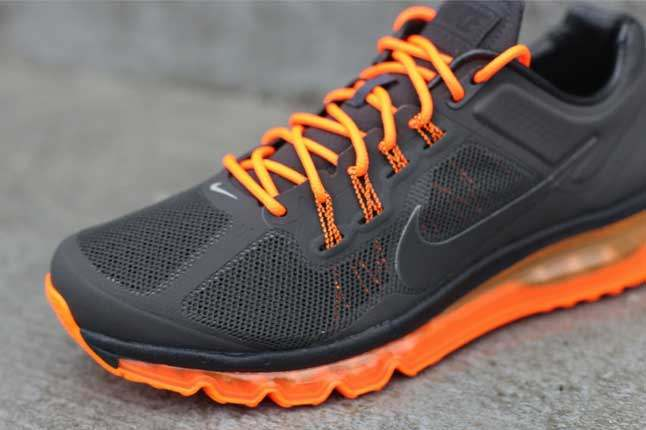 Nike Air Max 2013 Anthractie Totalorange Toebox 1