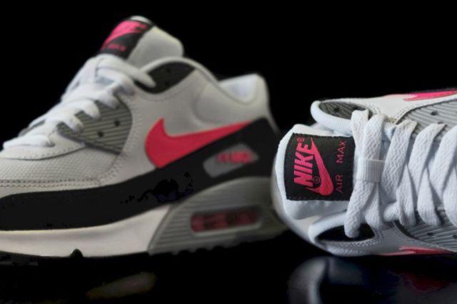Nike Air Max 90 Hyper Pink 1