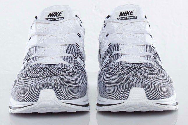 Nike Flyknit Black White 1