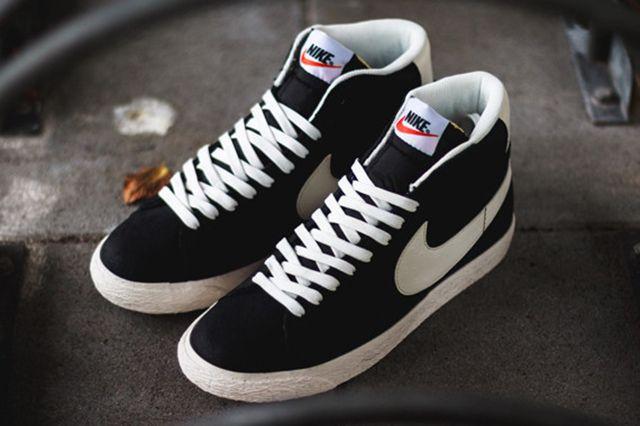 Nike Blazer Mid Premium Vintage Black White 1
