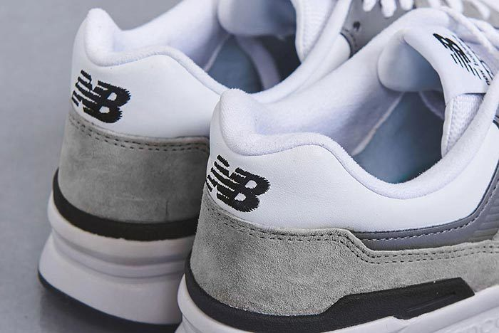 United Arrows New Balance 997 H Grey Heel Close Up Shot