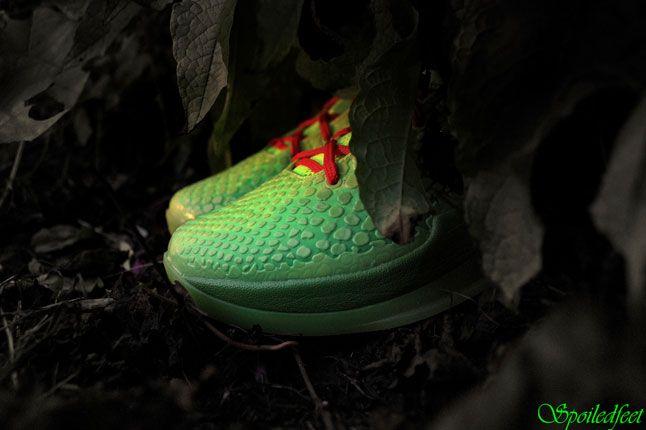Nike Zoom Kobe 6 Grinch 1