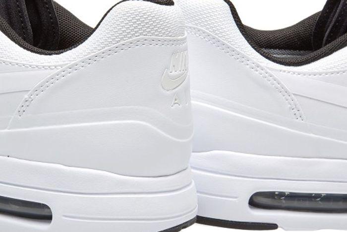 23 02 2017 Nikeairmax1 Ultra20Se Black White 875845 001 Hh 6