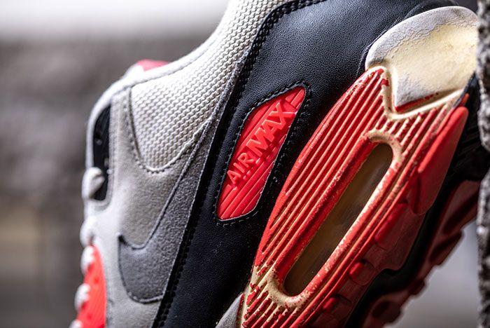 Nike Air Max 90 Infrared Retro Badge Detail