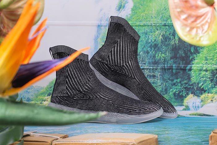 Yeezy Designer Ilysm Tabi Sneaker Black Right