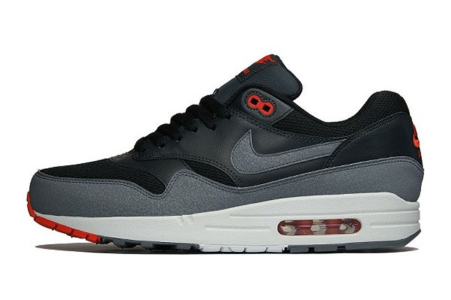 Overkill Nike Am1 Black Red 1