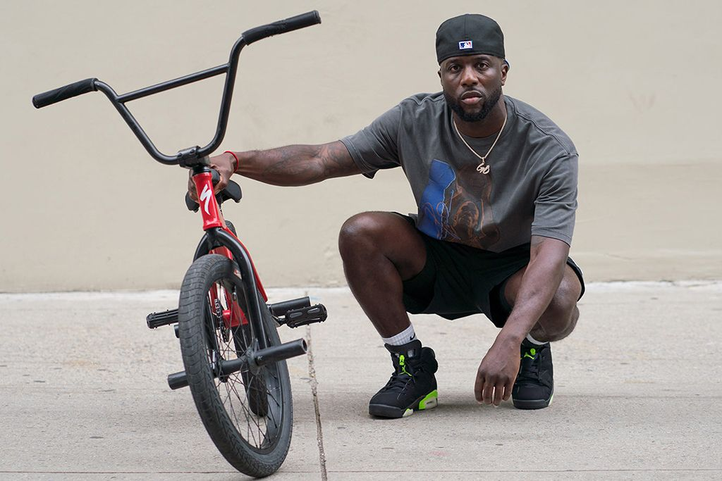 Nigel Sylvester Signs With the Jordan Brand