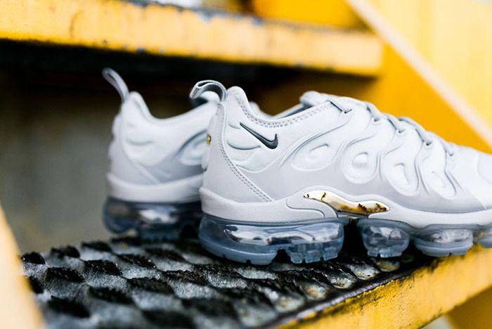 Nike Air Vapor Max Plus Wolf Grey Dark Grey Sneaker Freaker 8