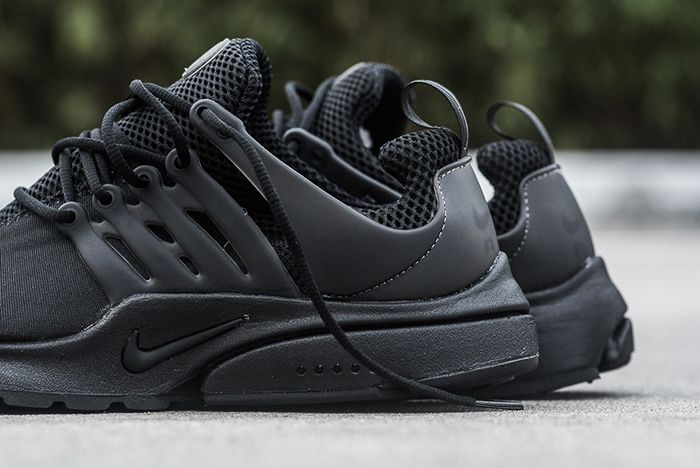 Nike Air Presto Triple Black3
