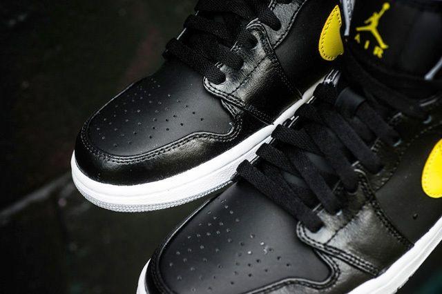 Air Jordan 1 Mid Vibrant Yellow 4