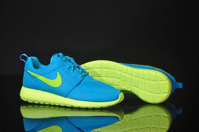 Nike Roshe Run Blue Glow Pair 1